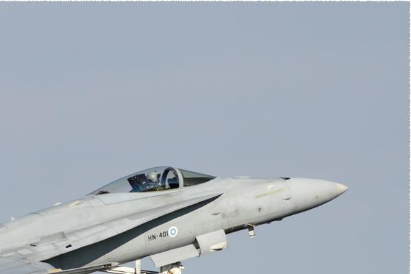 Photo#10988-2-McDonnell Douglas F-18C Hornet