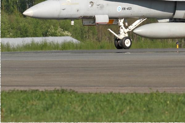 Photo#10987-3-McDonnell Douglas F-18C Hornet