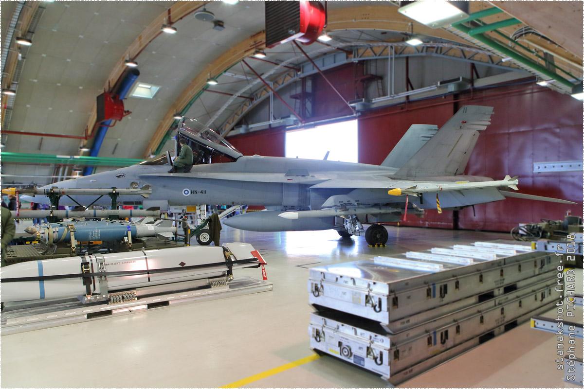 tof#11043 F-18 de la Force aérienne finlandaise au statique verrière ouverte à Rovaniemi (Finlande) en 2018