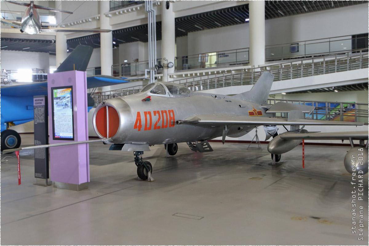 tof#11352_MiG-19_