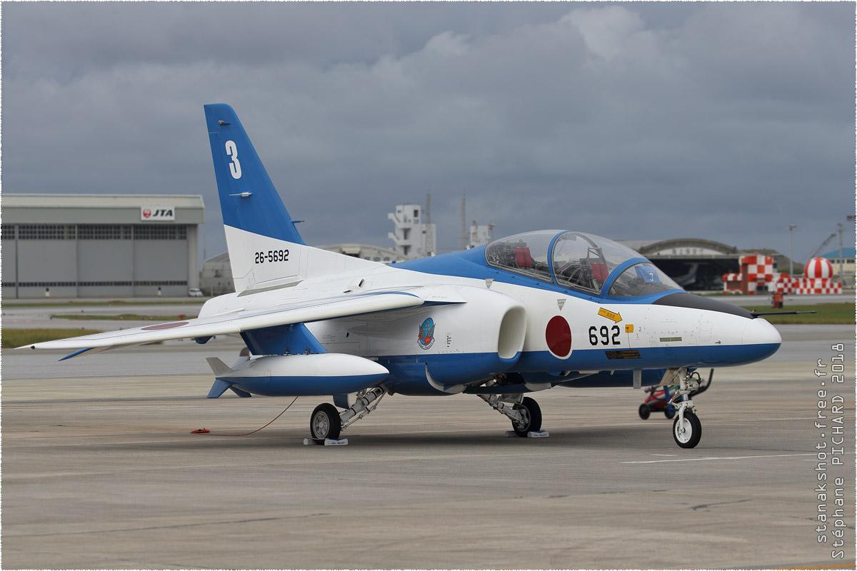 tof#11454 T-4 de la Force aérienne d'autodéfense japonaise au statique à Naha (JPN) en 2018
