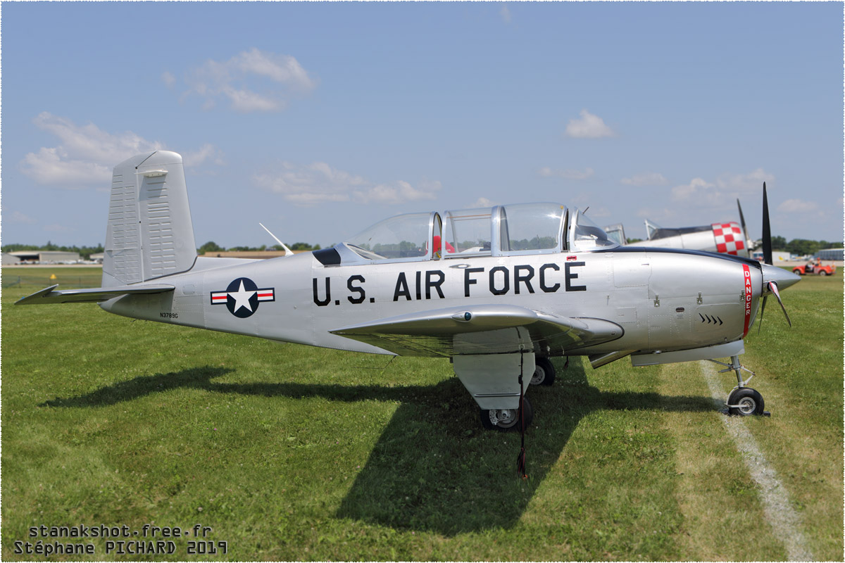 tof#11743 T-34 enregistré aux USA au statique à Oshkosh (WI, USA) en 2019