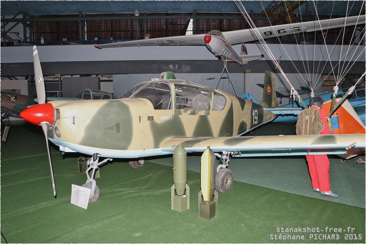 tof#11810_IAR-823_de la Force aérienne roumaine
