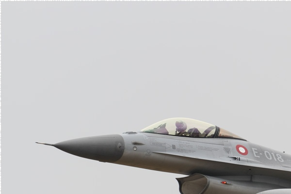 Photo#11157-1-General Dynamics F-16AM Fighting Falcon