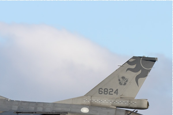 11267b-Lockheed-F-16B-Fighting-Falcon-Taiwan-air-force