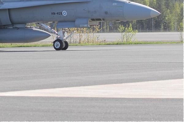 Photo#11042-4-McDonnell Douglas F-18C Hornet