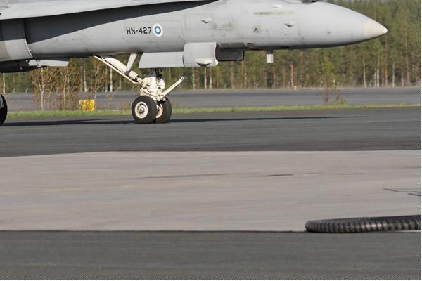 11044c-McDonnell-Douglas-F-18C-Hornet-Finlande-air-force