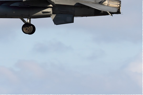 11267c-Lockheed-F-16B-Fighting-Falcon-Taiwan-air-force