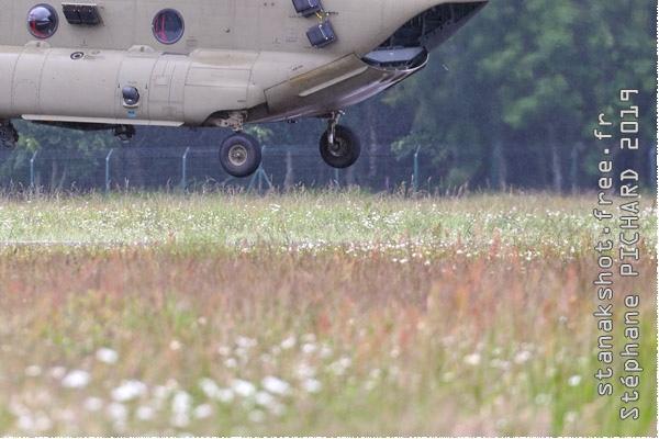 Photo#11553-4-Boeing CH-47F Chinook