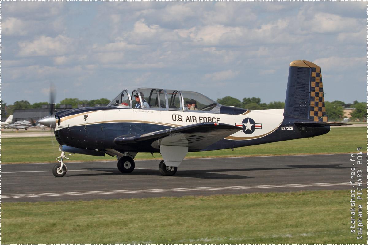 tof#2006 T-34 enregistré aux USA au statique à Oshkosh (WI, USA) en 2019