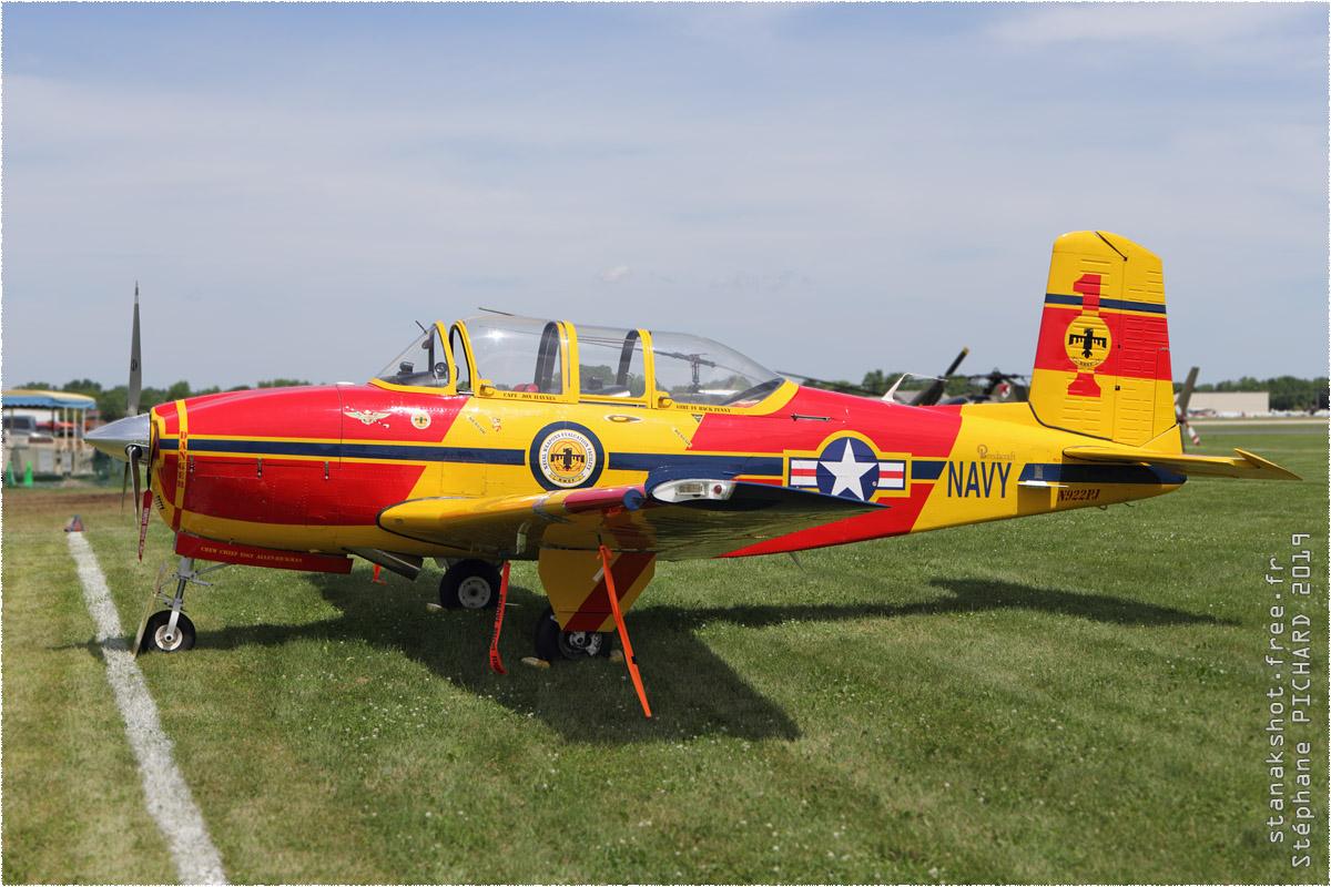 tof#2072 T-34 enregistré aux USA au statique à Oshkosh (WI, USA) en 2019