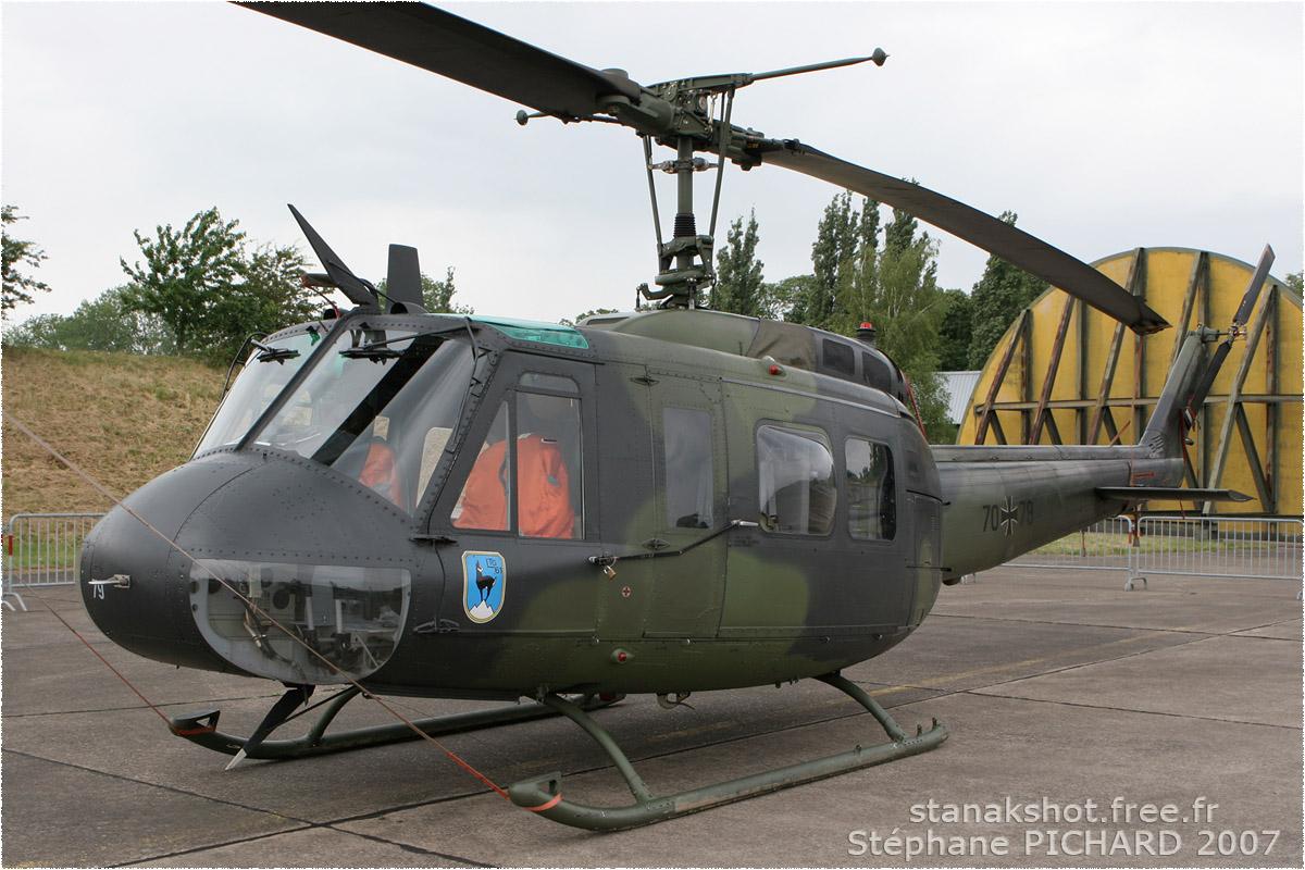tof#2309 Bell 205 de la Luftwaffe au statique à Metz (France) en 2007