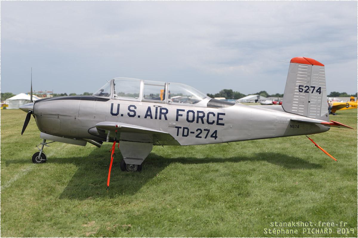 tof#2411 T-34 enregistré aux USA au statique à Oshkosh (WI, USA) en 2019