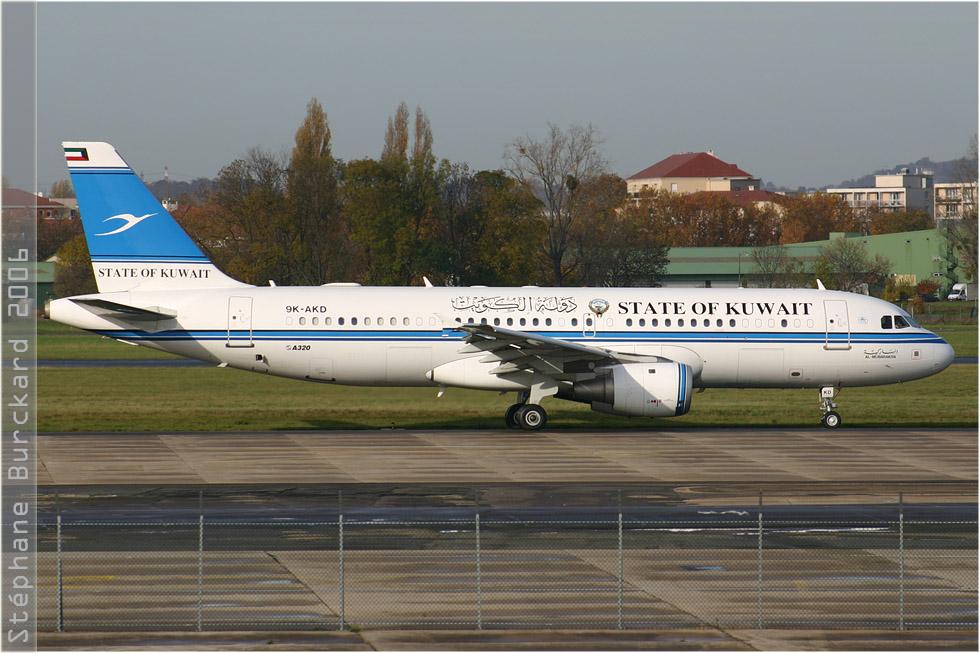 tof#2629 A320 du gouvernement koweitien au roulage au Bourget (France) en 2006