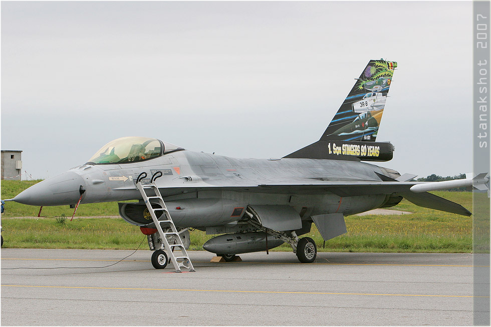 tof#2719 F-16 de la Force aérienne belge au statique à Evreux (France) lors du Meeting National de l'Air 2007