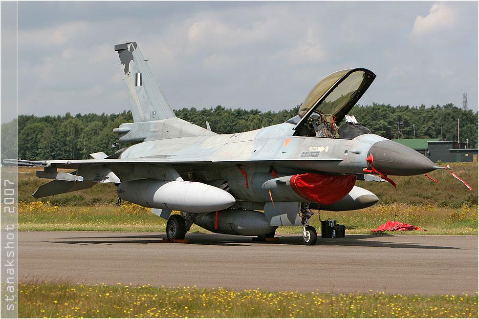 tof#2831 F-16 de la Force aérienne grecque au statique verrière ouverte à Kleine-Brogel (Belgique) en 2007