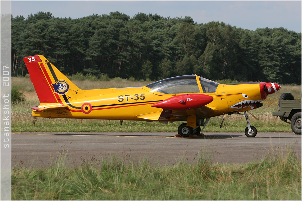 tof#2897 SF.260 de la Force aérienne belge au statique à Kleine-Brogel (BEL) en 2007