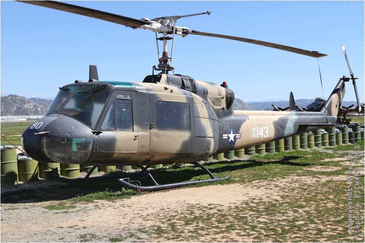 tof#2925 Bell 204 de l'US Air Force au statique au March Field Air Museum de Riverside ()