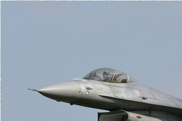 2083a-General-Dynamics-F-16A-Fighting-Falcon-Italie-air-force
