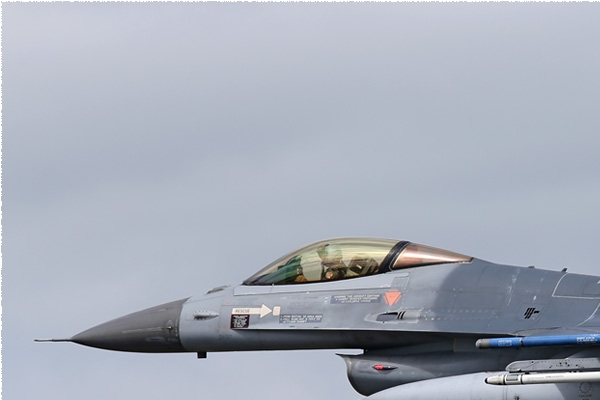 Photo#2385-1-General Dynamics F-16AM Fighting Falcon