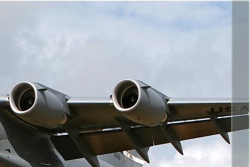 Photo#2705-2-Boeing C-17A Globemaster III