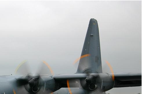 2943b-Lockheed-C-130H-30-Hercules-France-air-force