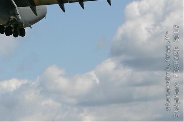 Photo#2390-4-Boeing C-17A Globemaster III