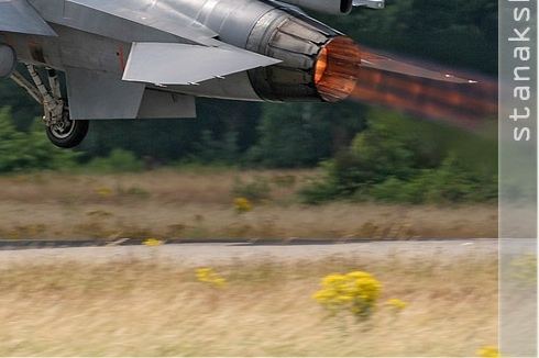 Photo#2833-4-General Dynamics F-16AM Fighting Falcon