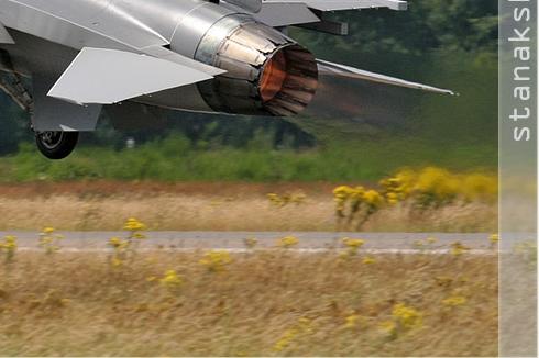 Photo#2851-4-General Dynamics F-16AM Fighting Falcon