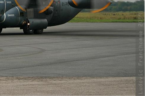 2943c-Lockheed-C-130H-30-Hercules-France-air-force