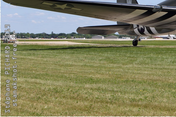 Photo#2077-3-Douglas C-47A Skytrain