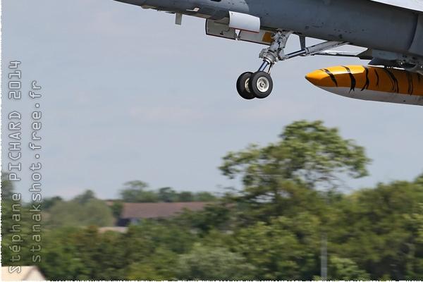 Photo#2286-3-McDonnell Douglas EF-18B Hornet