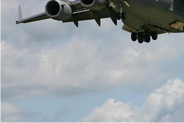 Photo#2390-3-Boeing C-17A Globemaster III