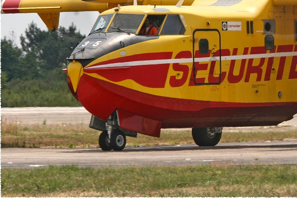 Photo#2395-3-Canadair CL-415