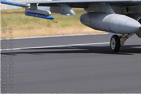 Photo#2396-3-General Dynamics F-16AM Fighting Falcon