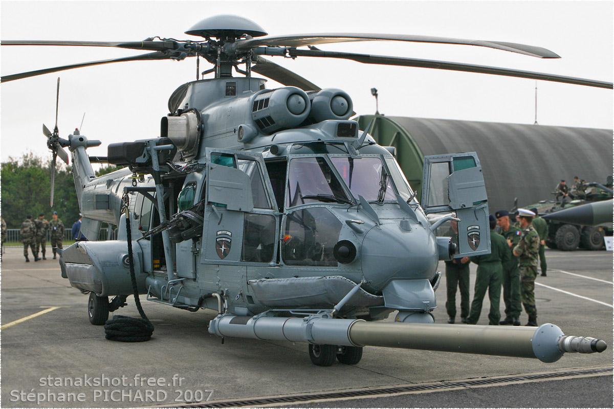 tof#3040 Super Puma de l'Armée de l'Air française au statique à Reims (France) lors du PCAT 2007