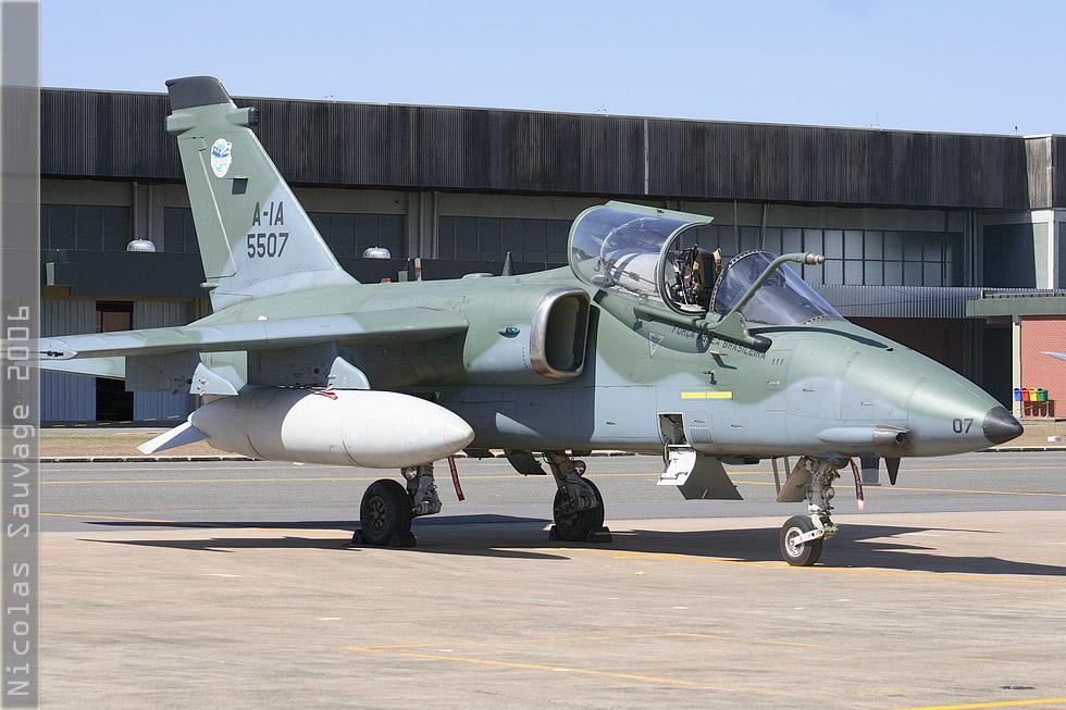 tof#3146 AMX de la Force aérienne brésilienne au statique verrière ouverte à Anapolis (Brésil - air force) en 2006
