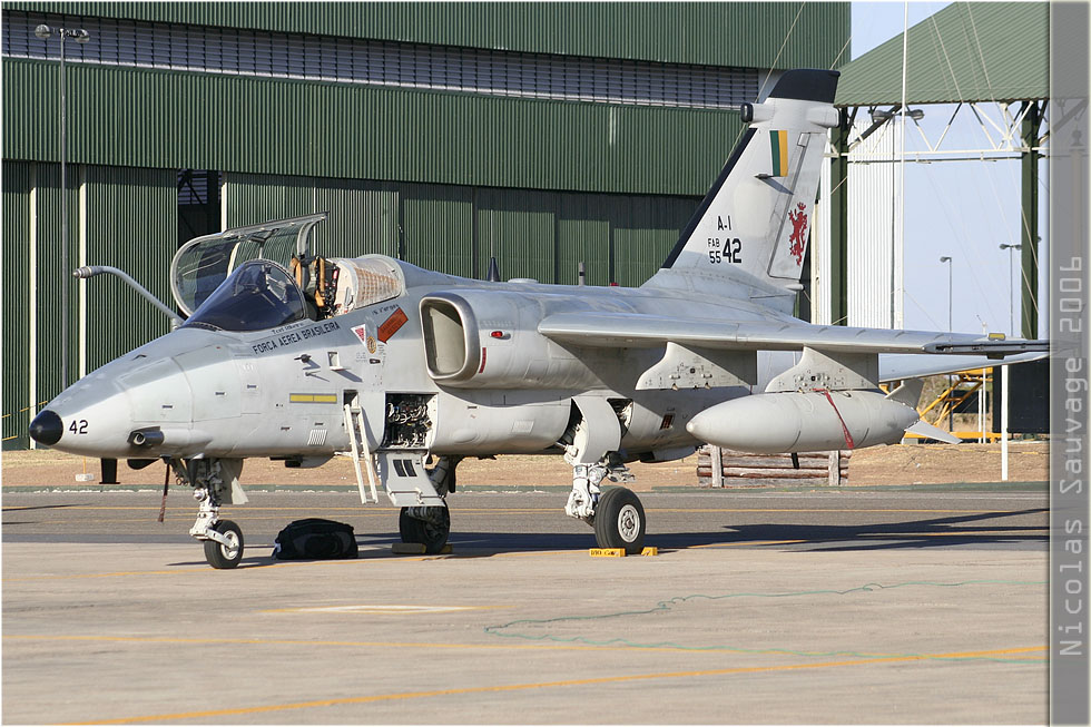 tof#3148 AMX de la Force aérienne brésilienne au statique verrière ouverte à Anapolis (Brésil - air force) en 2006