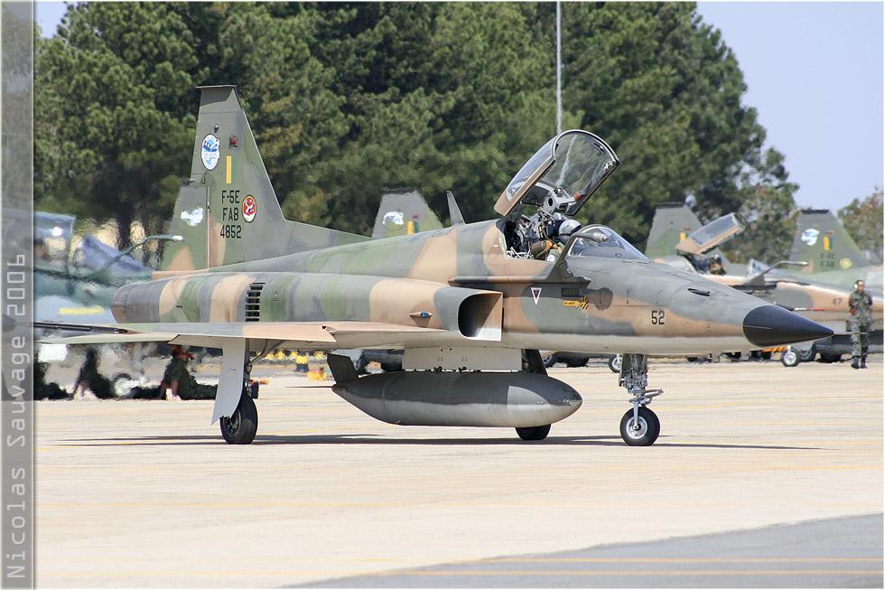 tof#3154 F-5 de la Force aérienne brésilienne au roulage à Anapolis (Brésil - air force) en 2006