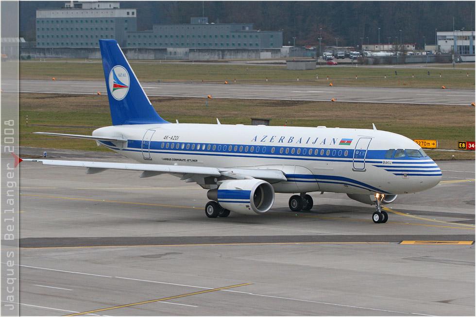 tof#3261 A319 du gouvernement azéri au roulage à Zurich (Suisse) en 2008