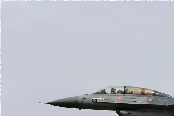 Photo#3823-1-General Dynamics F-16BM Fighting Falcon