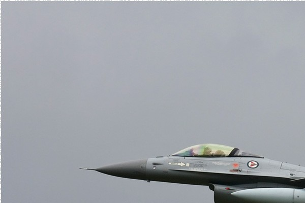 Photo#3825-1-General Dynamics F-16AM Fighting Falcon
