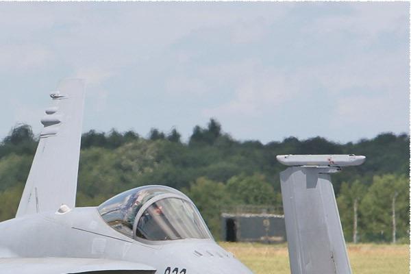Photo#3827-2-McDonnell Douglas F/A-18C Hornet