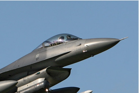 Photo#3963-2-General Dynamics F-16C Night Falcon