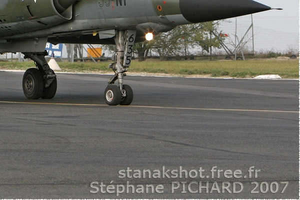 3074c-Dassault-Mirage-F1CR-France-air-force