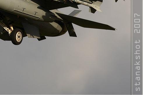 Photo#3186-4-General Dynamics F-16C Night Falcon