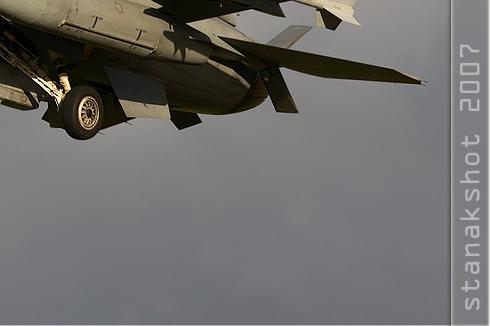 Photo#3190-4-General Dynamics F-16C Night Falcon