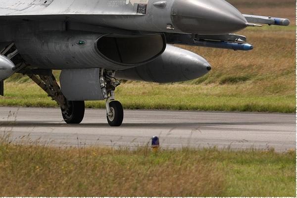 Photo#3632-4-General Dynamics F-16AM Fighting Falcon
