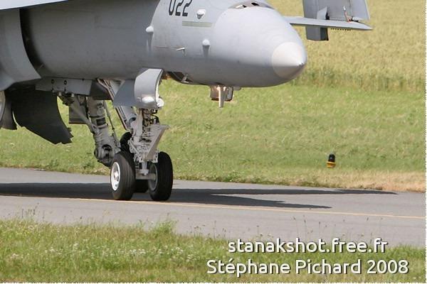 Photo#3827-4-McDonnell Douglas F/A-18C Hornet