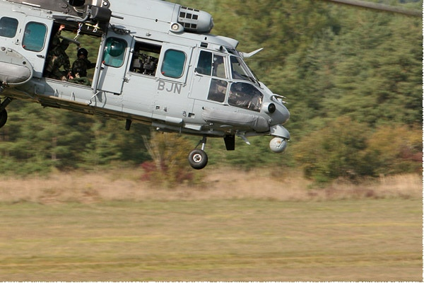3926c-Eurocopter-EC725-Caracal-France-army